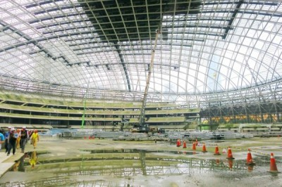 The construction site of Taipei Dome in Taipei's Xinyi District is pictured yesterday. Photo: Kuo An-chia, Taipei Times