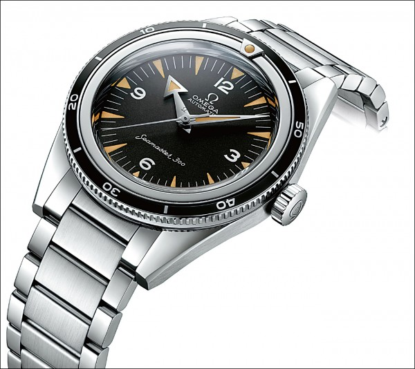 歐米茄Seamaster 海馬300六十週年紀念Master Chronometer 39mm限量腕錶。搭載8806 Co-Axial Master Chronometer機芯。229,700元。