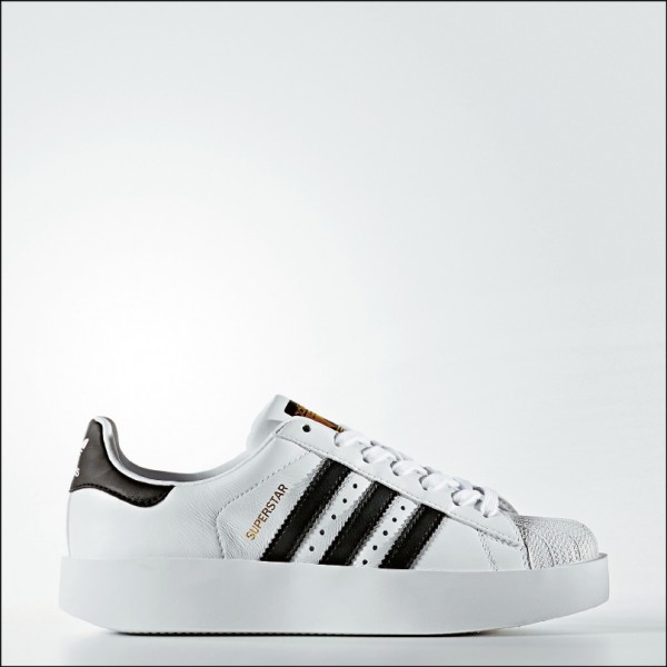 adidas Originals Superstar Bold, 4,090元。
