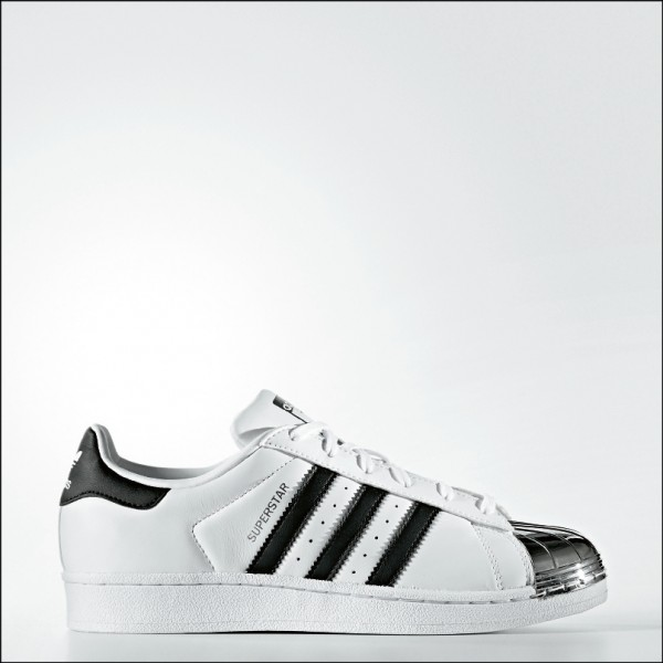 adidas Originals Superstar Metal Toe, 4,690元。