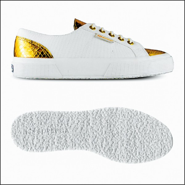SUPERGA × Eleonora Carisi Leather Print燦金色,4,980元。(SUPERGA提供)