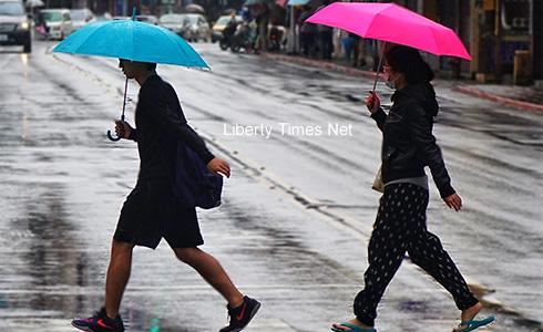 春雷乍響 各地有雨