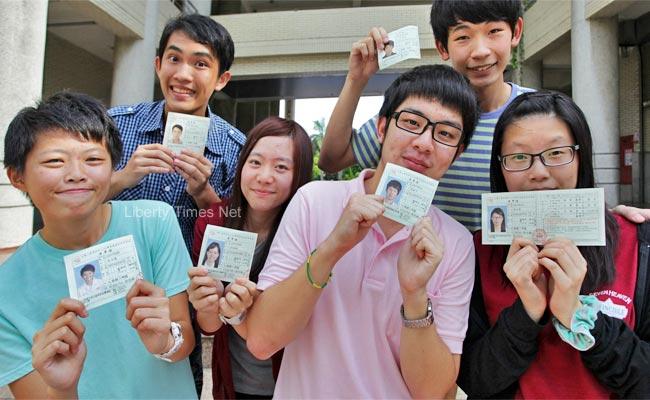 學測取消准考證 改用身分證等證件