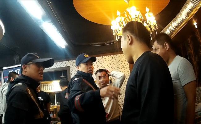 傳豆漿店少東狂輸千萬 設局打爆老千