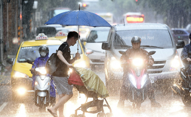 西南氣流影響 南部慎防豪大雨