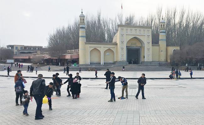 中國部署機械鴿 新疆人行動全都錄