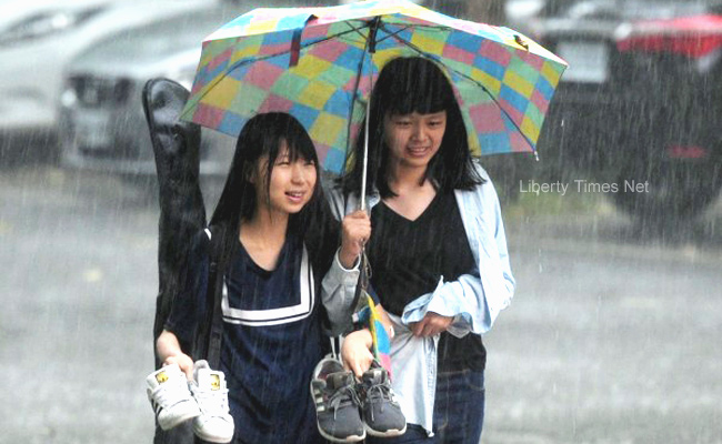 明各地高溫悶熱 花東、南部不定時陣雨