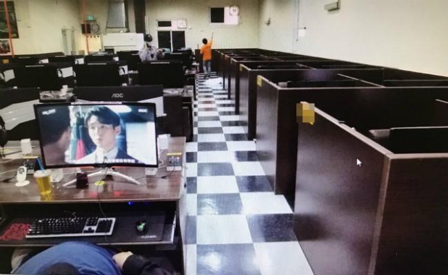 網咖當家坐2天 53歲男死在螢幕前!