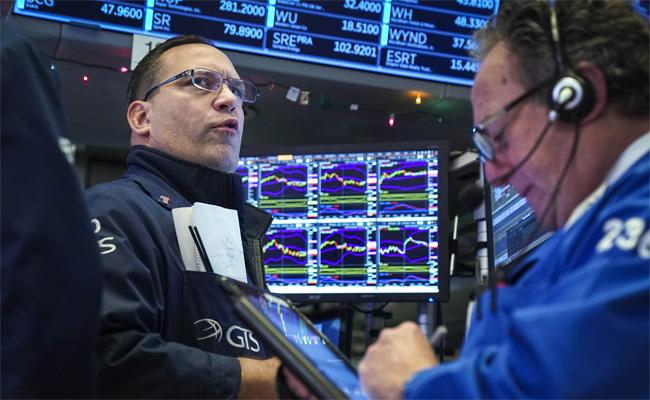憂全球經濟放緩 道瓊暴跌近500點