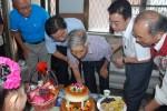 草屯101歲人瑞林茂成 吃蛋糕提前慶重陽