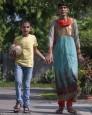父母都破200!印度5歲童身高170