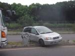 休旅車被撞失控撞路燈 駕駛酒測超標還得賠公物