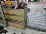颱風來襲 安南區住戶自備擋水柵預防