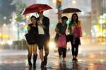 熱帶性低氣壓形成 各地高溫恐有雨
