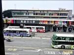 高雄車站公車站換裝 海洋風甩灰暗
