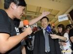 「香港發生的事,我人在台灣不是很清楚」/港辦主任裝傻 台灣學生噓爆