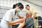 接種流感疫苗 長者搶早說有效