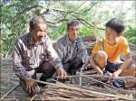 百年木炭窯 小五學童加入修復