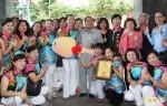 旗袍愛心協會 捐贈百萬身障小巴