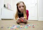 10歲女童手機看YouTube 帳單飆近9萬
