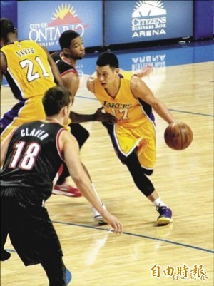 NBA》林書豪替補攻19分、7助攻 國王最後一擊挫湖人