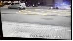 人孔蓋連3爆 女騎士連車被炸飛