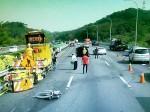國道度咕 撞工程車翻又被撞 男子受輕傷