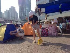 「自己地方自己掃」香港佔中今公民清潔日