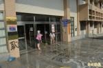 誤傳公文給頂新 屏縣衛生局遭噴漆、潑餿水