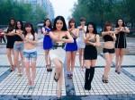 中國瘋傳神曲《麼麼噠》手槍舞 網友吐槽太低俗