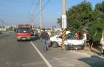 台南柳營轎車自撞電桿 1死1傷