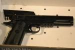 12歲童持BB槍玩耍 遭警開槍射死