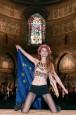 教宗將訪歐議會 女裸身反對