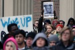 美國「布朗案」抗議加劇 示威者被車拖行