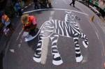 泰國行人踩「斑馬」線  盼公共藝術拓旅遊業