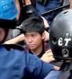 香港旺角暴力清場 2學運領袖被捕