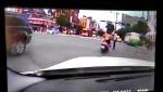 路中指揮交通 衰警3度被撞