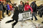 黑色星期五購物潮 英人搶貨大打出手