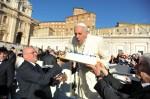 教宗歡度生日 分送雞湯給貧苦家庭