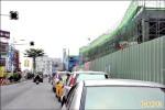 東港碼頭蓋新停車塔 天橋接「華僑」