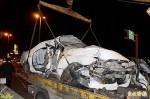 遊覽車撞轎車 夫妻雙亡