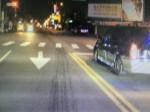 酒駕撞自小客車 帶車一起過馬路