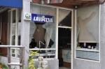 竹南咖啡三度遭砸 警帶回1嫌疑人