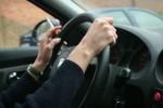 立院三讀通過!騎、開車抽菸恐被罰錢