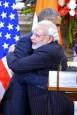 關係加溫 印度總理熊抱歐巴馬