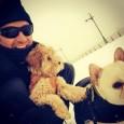 休傑克曼耍萌 與愛犬雪地玩耍超可愛