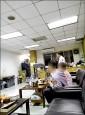 〈法院版李全教?〉 台南地院法警長 被爆休息室內抽菸