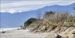 海水吞墓區 八河局允整治海岸