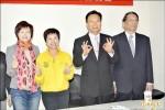 彰化立委補選政見會 卓伯源成箭靶