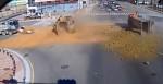 砂石車撞飛砂石車 塵土飛揚波及轎車